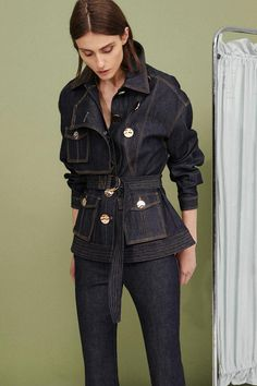 Get inspired and discover Acler trunkshow! Shop the latest Acler collection at Moda Operandi. Denim Fashion, Fashion Outfits, Womens Fashion, Looks Jeans, Mode Jeans, Vetement Fashion, All Jeans, Denim Outfit, Looks Cool