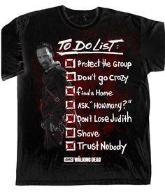 Camiseta To Do List. The Walking Dead Camiseta perteneciente a la exitosa serie de TV The Walking Dead con el título To Do List, 100% oficial, licenciada y fabricada 100% en algodón que de buen seguro gustará a todos los fans.