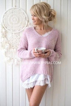 A wide selection of beautiful knitwear and cardigans - fall in love with our famous knits. Comfy mohair, soft cotton, stylish merino and luxurious cashmere - our knitwear selection offers wonderful options for every occasion. Cozy Sweaters, Sweaters For Women, Natural Linen, Knitwear, Jumper, Knit Crochet, Pullover, Couture, Knitting