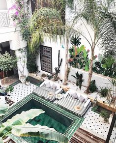 Some good ideas for landscaping from this pool at Le Riad Yasmine Marrakech, Morocco Le Riad, Riad Marrakech, Marrakech Gardens, Morocco Hotel, Morocco Travel, Medina Morocco, Tangier Morocco, Exterior Design, Interior And Exterior