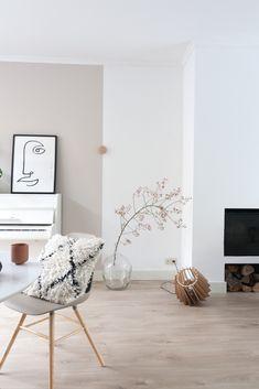 Living Room With Fireplace, Home Living Room, Living Room Designs, Living Room Decor, Bedroom Decor, Taupe Living Room, Interior Inspiration, Room Inspiration, Design Salon