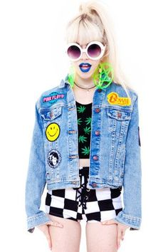 ItemPRE-ORDER: CUSTOM Vintage Renewed Denim Jacket with Your Choice in Patches! DetailsIt's like DIY, only DIFMTV! That…