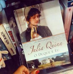 O Livro lindo da Julia Quinn na Biblioteca da Luh #DuqueEEu #OsBridgertons #EditoraArqueiro
