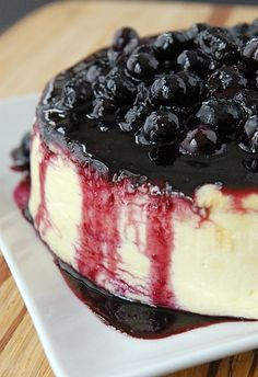 ♔ Crème fraîche cheesecake with lemon blueberry compote