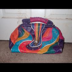 Colorful vintage Doctor bag🌈🎨 Colorful crazy print with gold detailing hinge opening with one zip pocket inside back zip pocket genuine leather good condition strap not included 13 in wide 9in long Vintage Bags Satchels