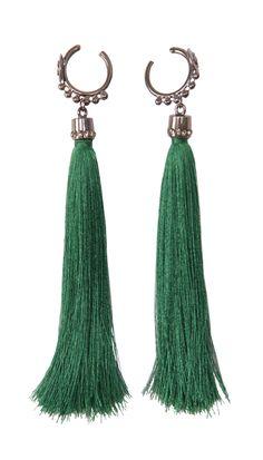 BRINCO TASSEL VERDE ESMERALDA - Brinco argola no banho grafite com pingente tassel verde esmeralda e suporte cravejado de strass black diamond.
