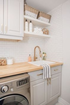 82 Remarkable Laundry Room Layout Ideas for The Perfect Home Drop Zones Waschküche Arbeitsplatte Ideen Related posts: No related posts. Laundry Room Layouts, Small Laundry Rooms, Laundry Room Organization, Laundry Room Design, Laundry In Bathroom, Shelving In Laundry Room, Ikea Laundry Room, Laundry Decor, Basement Laundry