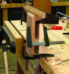 Ah! E se falando em madeira...: Tecnica:  Jig Journal: Shop-made Saw Vise