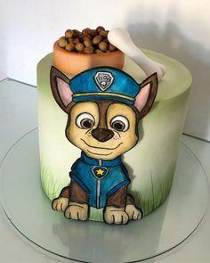 Bolo Do Paw Patrol, Sky Paw Patrol, Torta Paw Patrol, Paw Patrol Party, Paw Patrol Birthday Girl, Fish Cake Birthday, Bubble Cake, Poppy Cake, Pull Apart Cupcakes