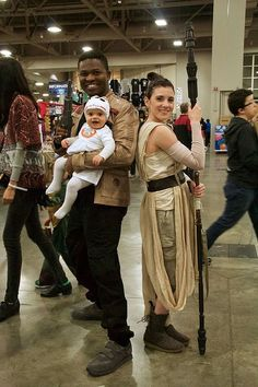 Look at the detail of these Star Wars family costumes!
