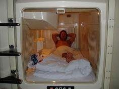 Ah on n'a pas essayé les hôtels capsules !! lol... a bed pod