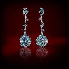 I colori della natura, i più importanti giacimenti di pietre preziose del sud Africa e sud America, la fantasia italiana di Claudia Oddi e l'arte orafa portata ai più alti livelli: questa è la collezione Infinity. Un gioiello di grande prestigio, importante e spiritoso allo stesso tempo. #jewelry #earrings #claudiaoddi