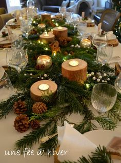 Best Christmas Table Decor ideas for Christmas 2019 where traditions meets grandeur - Hike n Dip Make your Christmas special with the best Christmas Table decoration ideas. These Christmas tablescapes are bound to make your Christmas dinner special. Christmas Table Centerpieces, Christmas Table Settings, Christmas Tablescapes, Xmas Decorations, Centerpiece Ideas, Holiday Tables, Magical Christmas, Noel Christmas, Rustic Christmas