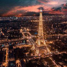 Beautiful Paris Tag someomw who youd take to trip Paris Images, Paris Pictures, Beautiful Paris, I Love Paris, Tour Eiffel, Paris Travel, Paris France, Paris Skyline, Tower