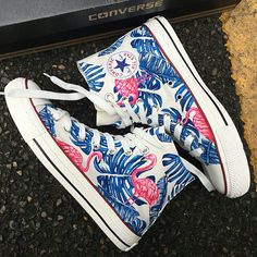 Ideas For Sneakers Custom Diy Converse New Sneakers, Custom Sneakers, Custom Shoes, Casual Sneakers, Painted Converse, Painted Sneakers, Hand Painted Shoes, Painted Clothes, Cute Converse
