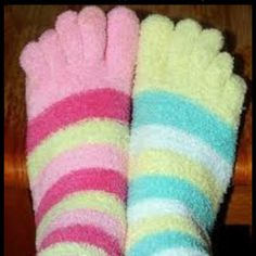 Toe Socks Christmas List 2016, Fluffy Cows, Toe Socks, Cute Toes, Crazy Socks, Party Flyer, Christian Sayings, Happy, Clothes