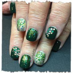Green Bay packers fan #nails #nailart #nailartdone #nailsdid #nailswag #nailstagram #instanails #diamonds #packerfan #lovelynails #lovewhatido #diditonem #glitter #greenbay #nailed