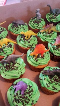 Top dinosaur birthday party for kids ideas no 14