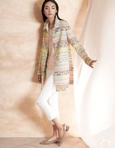 Jacquard frock coat in pastel tones MADELEINE fashion Hollywood Stars, Smart Dress Code, Style Casual, Casual Styles, Madeleine Fashion, Frock Coat, Pretty Outfits, Pretty Clothes, Fashion Pants