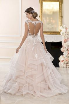 cb6a3a0995 20 Princess Ball Gown Wedding Dresses That Look More Beauty