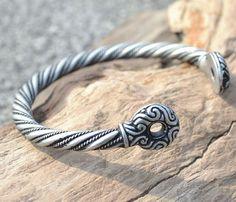 Gaule celtique étain argenté BRACELET Iron Age par WulflundJewelry