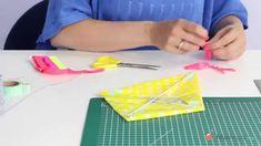 DIY - Vlieger maken Plastic Cutting Board, Diy And Crafts, Diys, Youtube, Make It Yourself, Blog, Decoration, Paper, Seeds