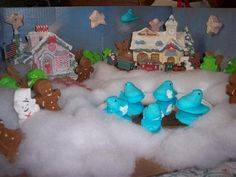 2013: Winter Wonderland diorama from Marrianne Fenimore smartmagpa.com/peeps #contest #easter