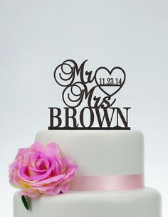 Wedding Cake Topper,Mr and Mrs Cake Topper With Last Name,Custom Cake Topper,Personalized Cake Topper,Wedding Decoration C081