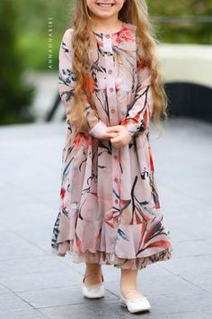 Little Nina Dress Source by dress modest Frocks For Girls, Kids Frocks, Little Girl Dresses, Girls Dresses, Girls Frock Design, Baby Dress Design, Kids Dress Patterns, Clothes Patterns, Dress Anak