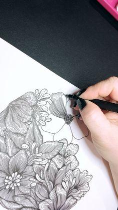 Flower Art Drawing, Flower Drawing Tutorials, Doodle Art Drawing, Zentangle Drawings, Mandala Drawing, Zentangle Patterns, Art Tutorials, Art Drawings, Zentangle Art Ideas
