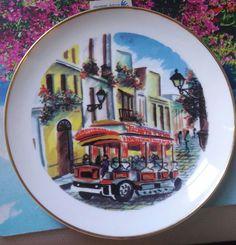 """Colección Marilyn Arias """"El Trolley"""" Diseño exclusivo Juan Cuevas no. 520"""