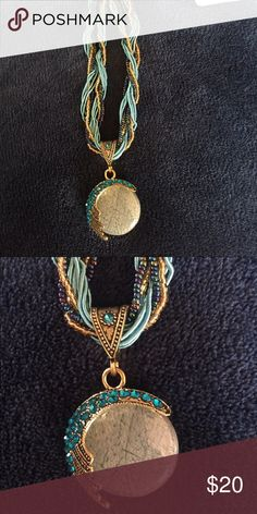 Beautiful necklace. BOGO Beautiful blues tones beaded necklace Jewelry Necklaces