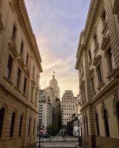 "4,945 Likes, 29 Comments - São Paulo City • Miguel Garcia (@saopaulocity) on Instagram: ""Edifício Altino Arantes by @nathalia.tn #saopaulocity #EuVivoSP #banespa"""