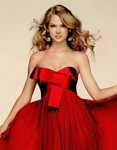 Taylor Swift in red. Stunning.