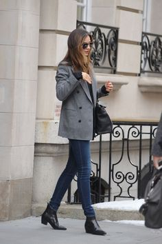 Miranda Kerr Leaves Her Apartment on the Upper East Side in New York, February 2014.