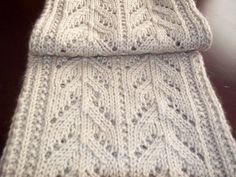 Free Pattern: September scarf. Go to 'About this Pattern' for link to Best Friend Scarf.