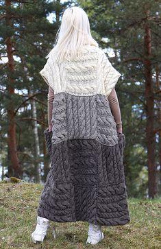 Knitting Patterns Vest Ravelry: Long chunky vest with pockets pattern by Jurgita Imbrasiene Knitwear Fashion, Knit Fashion, Mode Crochet, Knit Crochet, Winter Sweaters, Cozy Sweaters, Barbie Mode, Gilet Long, Wool Vest