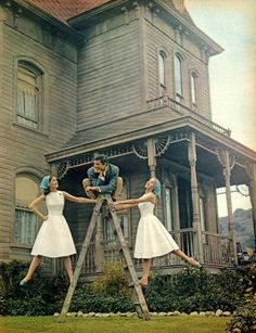 """Anthony Perkins on the set of """"Psycho"""" directed by Alfred Hitchcock, 1960"""