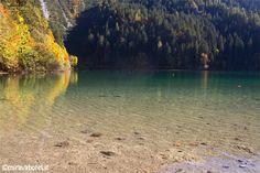 Lago di Tovel nel cuore delle Dolomiti di Brenta #valdinon #dolomiti #trentino