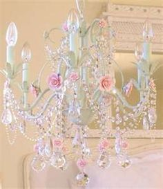 LOVE this chandelier!!