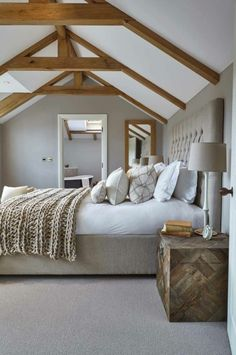 Barn Bedrooms, Farmhouse Style Bedrooms, Farmhouse Bedroom Decor, Modern Farmhouse, Farmhouse Ideas, Simple Bedroom Decor, Cozy Bedroom, Bedroom Ideas, Peach Bedroom