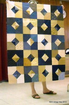 Rate this post Chicago Modern Quilt Guild May 2012 Chicago Modern Quilt Guild Mai 2012 Flannel Quilts, Scrappy Quilts, Easy Quilts, Modern Quilt Patterns, Quilt Block Patterns, Modern Quilting Designs, Modern Quilt Blocks, Loom Patterns, Quilt Blocks Easy