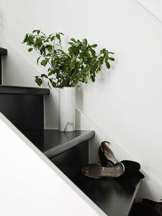 Fantastische combi zwart en wit. Meer wooninspiratie op mijn blog http://www.interieurinspiratie.nl/