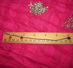 2. Cut a 6-inch length of elastic cord.