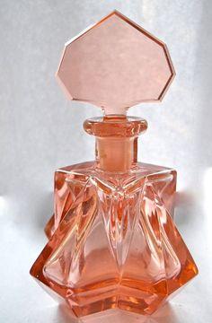 Vintage Art Deco Czech Perfume Bottle by jeanette Art Nouveau, Art Deco, Antique Perfume Bottles, Vintage Perfume Bottles, Parfum Chic, Perfume Vintage, Beautiful Perfume, Bottle Art, Vintage Art