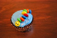 M and M caterpillar on cupcakes ... cute :)