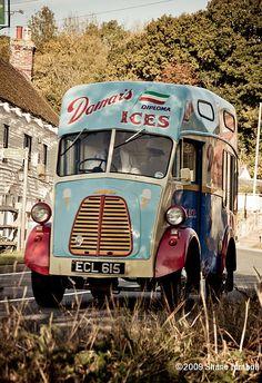 Morris J Ice Cream Van Damars Ices