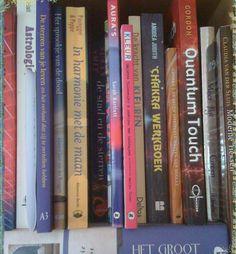 In de boekenkast van Annique Pakkert