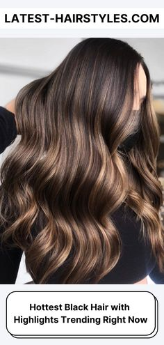 Lighten up your black hair with highlights! Click here to see which types of highlights go perfectly with very dark hair. (Photo credit Instagram @colorbymarina) Black Hair With Highlights, Hair Highlights, Beauty Guide, Beauty Hacks, Dull Hair, Latest Hairstyles, Skin Makeup, Hair Looks, Hair Inspo