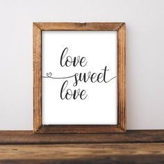 Home Sweet Home - Printable home decor, printable wall art, DIY home decor, add a rustic farmhouse wood frame and have a quick and easy farmhouse sign! Gallery wall art diy home decor wood Home Sweet Home - Printable Retro Home Decor, Easy Home Decor, Handmade Home Decor, Home Decor Bedroom, Cheap Home Decor, Budget Bedroom, Modern Decor, Sweet Home, Feng Shui